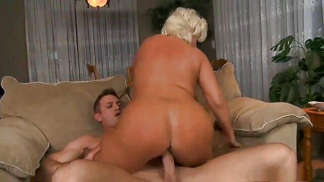 Sexy tetona muestra videos xxx con viejitas sus tetas