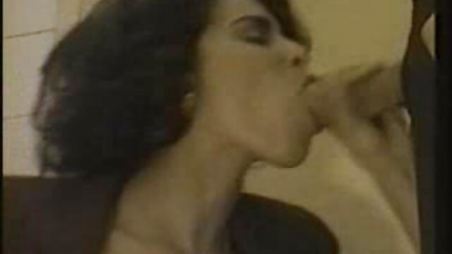 Victoria Valentino follada en la mesa de billar xxx viejitas cojiendo