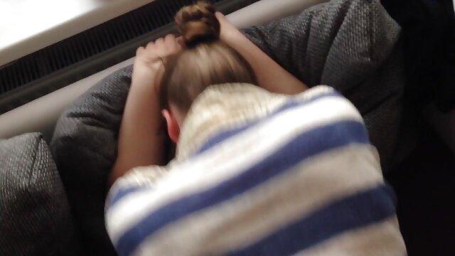 Tantas chicas solo comiendo videos pornos caseros de viejitas coño